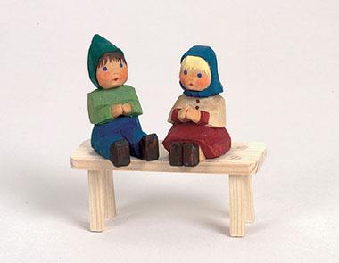 Mädchen, sitzend, 4,5 cm * (Typ 1)