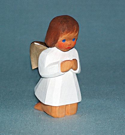 Engel, kniend, braun, 8,5 cm (Typ 2)